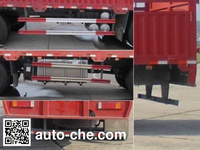 Chenglong LZ5313CCYQELA stake truck