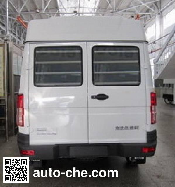 Iveco NJ5044XQCQA prisoner transport vehicle