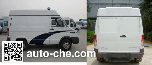Iveco NJ5045XQCQA prisoner transport vehicle