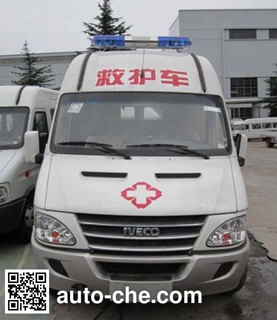 依维柯牌NJ5054XJHC救护车