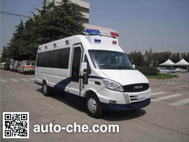 Iveco NJ5054XQCJD prisoner transport vehicle
