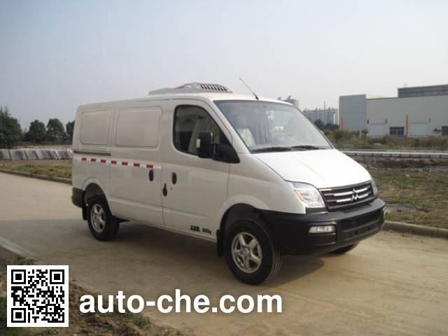 SAIC Datong Maxus SH5030XLCA8D4 refrigerated truck