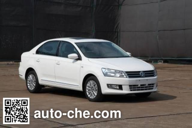 Volkswagen SVW71412UL car