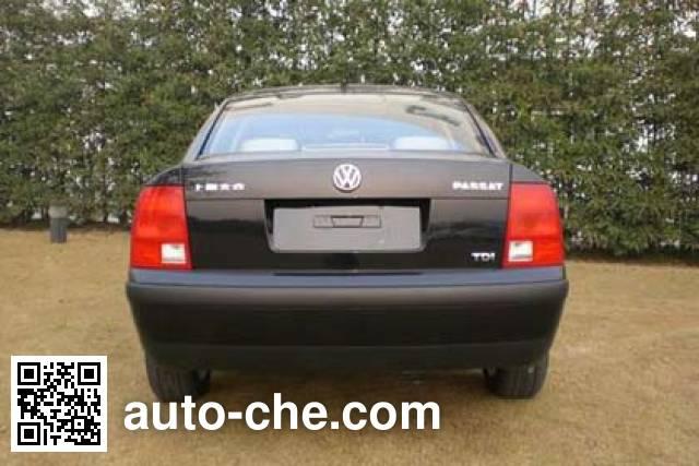Volkswagen Passat SVW7193RTi car