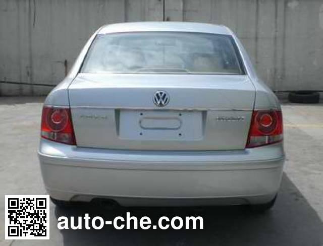 Volkswagen Passat SVW7203EPD car