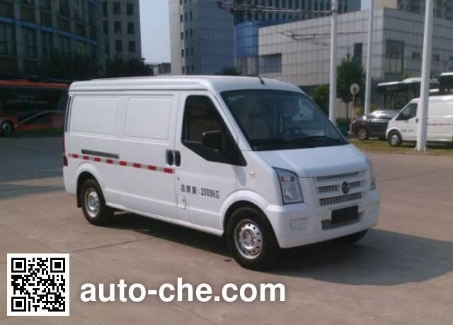 Yangtse WG5032XXYBEV electric cargo van