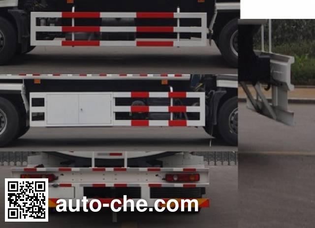 Tiema XC5160GYYYEBK oil tank truck