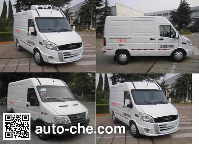 Frestech XKC5044XLC5M refrigerated truck