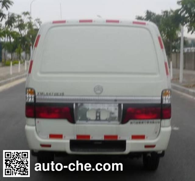 Golden Dragon XML5033XXY28 box van truck