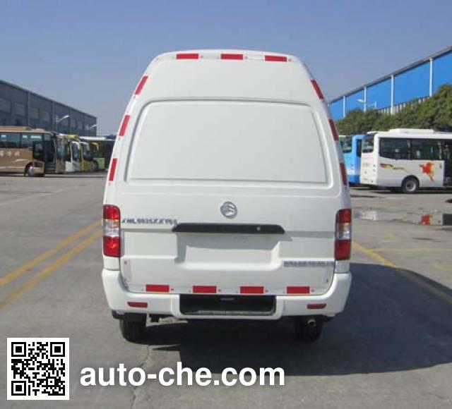 Golden Dragon XML5035XXY65 box van truck