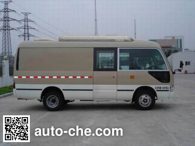 Golden Dragon XML5050XXY18 box van truck