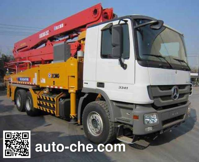 XCMG XZJ5284THB concrete pump truck