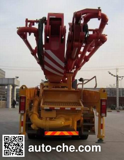 XCMG XZJ5330THB concrete pump truck