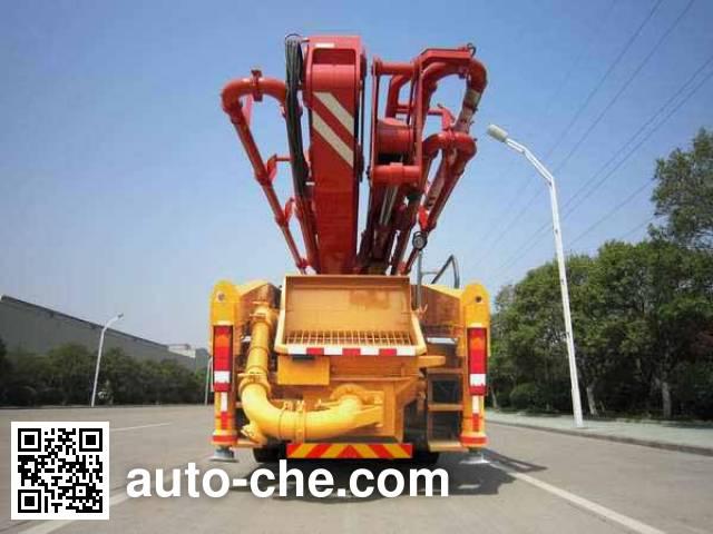 XCMG XZJ5332THB concrete pump truck