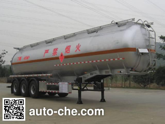 永强牌YQ9400GHYF化工液体运输半挂车
