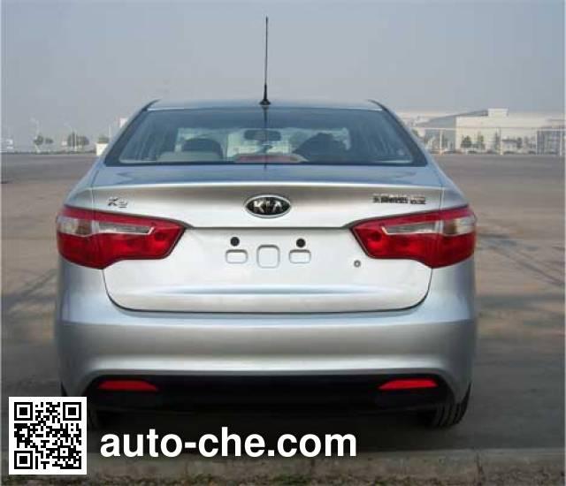 KIA YQZ7142E5 car