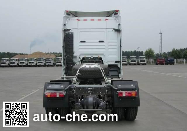 Sinotruk Sitrak ZZ4186V361HE1H tractor unit