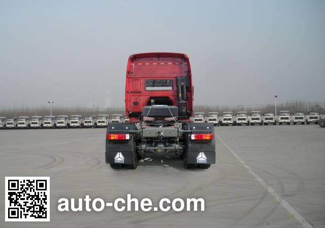 Sinotruk Howo ZZ4187N3617D1B tractor unit