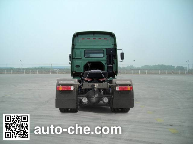 Sinotruk Howo ZZ4187N3617E1W dangerous goods transport tractor unit