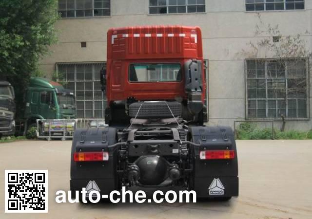 Sida Steyr ZZ4223N27C1D1N tractor unit