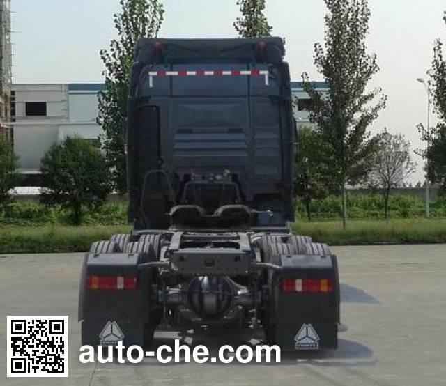Sinotruk Sitrak ZZ4256V324HD1H tractor unit