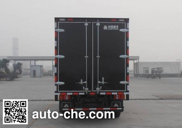 Sinotruk Howo ZZ5087XXYF3315E183 box van truck
