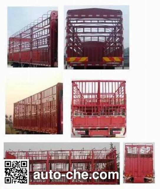 Sinotruk Hohan ZZ5185CCQK5113E1 livestock transport truck