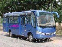 齐鲁牌BWC6730型客车