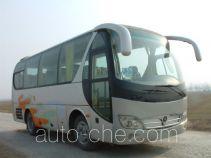 齐鲁牌BWC6740A1型客车