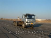 Cabover lifting axle tractor unit
