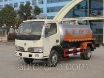 程力威牌CLW5820F型吸粪低速货车