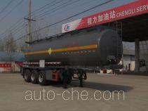 程力威牌CLW9400GYW型氧化性物品罐式运输半挂车
