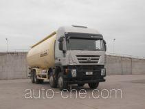 红岩牌CQ5316GFLHTG466TB型低密度粉粒物料运输车