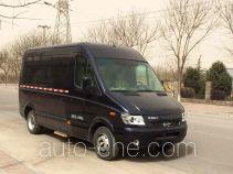 长江牌FDE5060XXYABEV01型纯电动厢式运输车