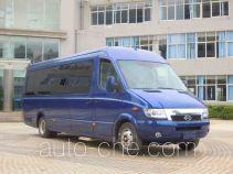 长江牌FDE6810TDSHEV01型混合动力客车