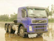 沃尔沃(VOLVO)牌JHW4250F32B3T型牵引汽车