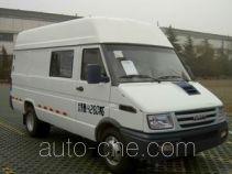Iveco NJ5044XXY2A box van truck