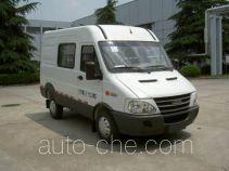 Iveco NJ5044XXYQ2C box van truck