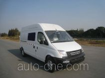 SAIC Datong Maxus SH5033XXYA8D5 box van truck