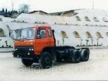 十通牌STQ4240L2T7S型平头牵引汽车