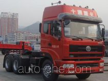 十通牌STQ4257L7Y15S4型牵引汽车