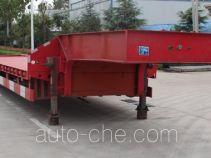 鑫华驰牌THD9402TDP型低平板半挂车