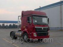 豪运牌ZZ4185V3815C1LB型牵引汽车