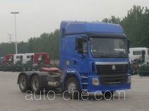 豪运牌ZZ4255V3245C1B型牵引汽车