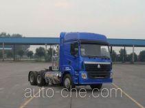 豪运牌ZZ4255V3845C1LB型牵引汽车