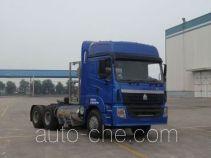 豪运牌ZZ4255V3845C1LH型牵引汽车