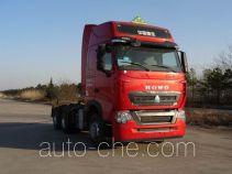 Sinotruk Howo ZZ4257W324HE1W dangerous goods transport tractor unit