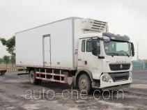 豪沃牌ZZ5167XLCK561GE1型冷藏车