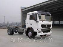 豪沃牌ZZ5167XXYG561GE1L型厢式运输车底盘