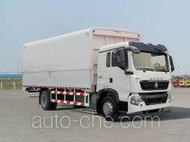 Sinotruk Howo ZZ5167XYKH561GD1H wing van truck